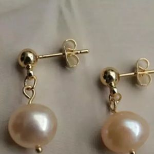 Jewelry - Freshwater pearl pink earrings